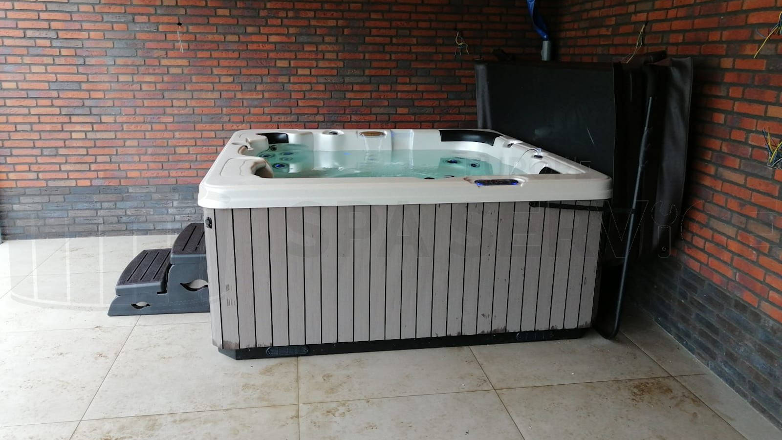 Plaatsing van een spa in Heythuysen