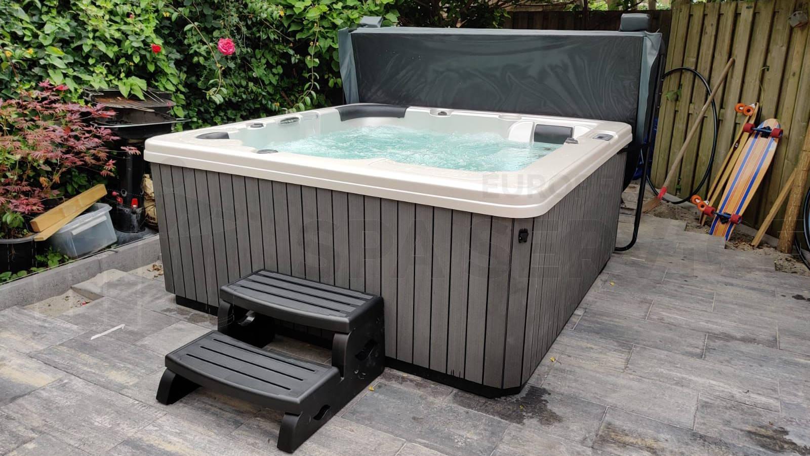 Plaatsing van een spa in Haarlem