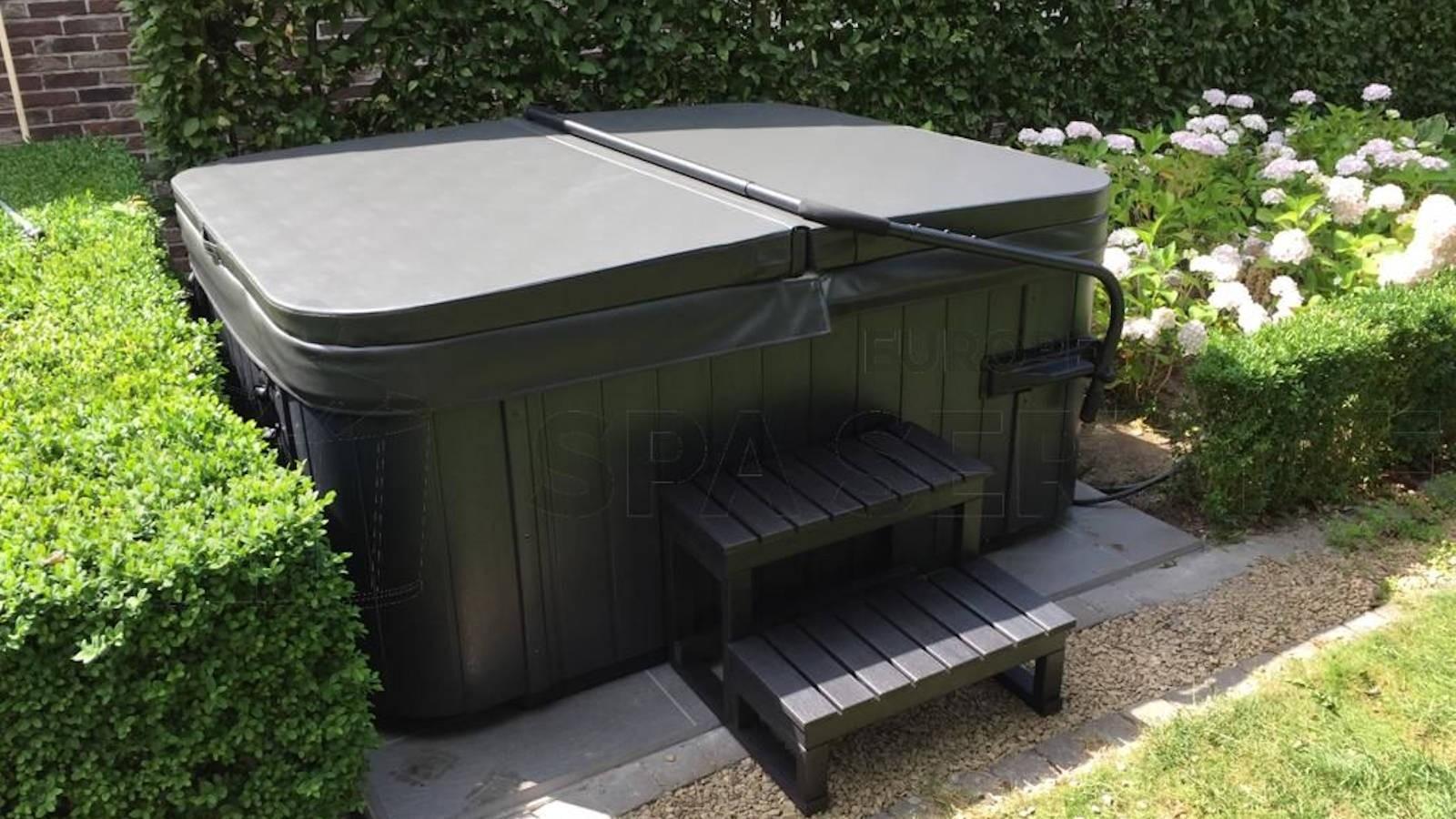 Plaatsing van een Allseas DA-1700S spa in Lier België
