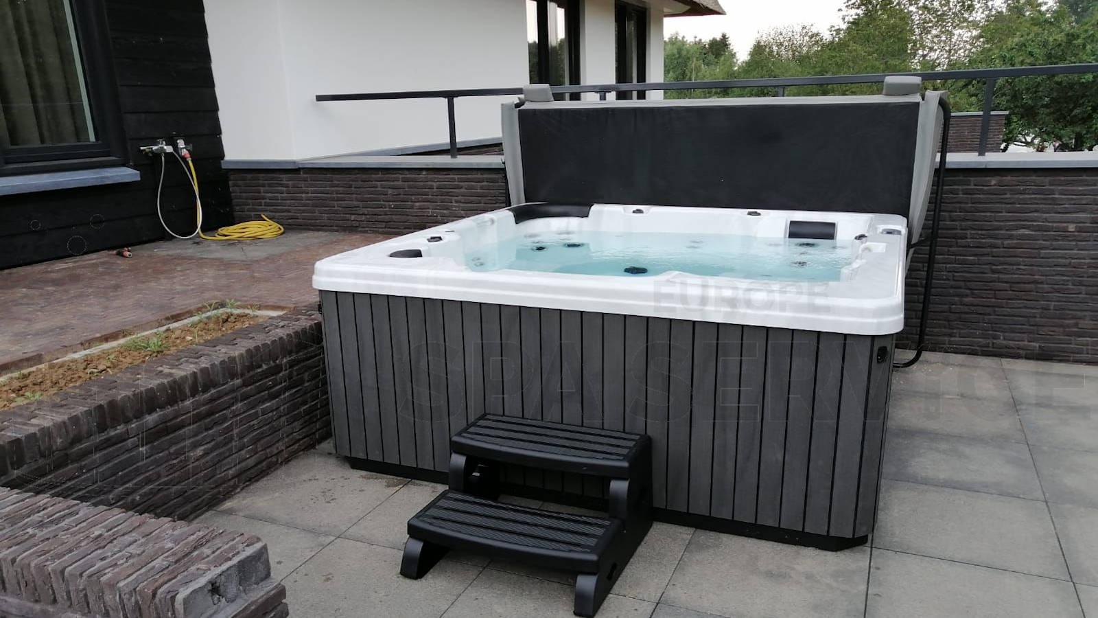 Plaatsing van een spa in Pannerden