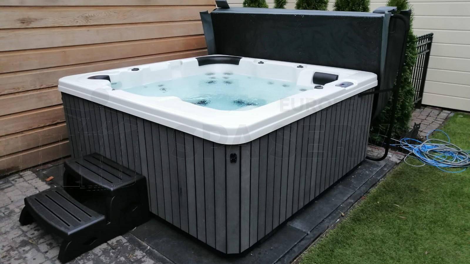 Plaatsing van een spa in Monnickendam