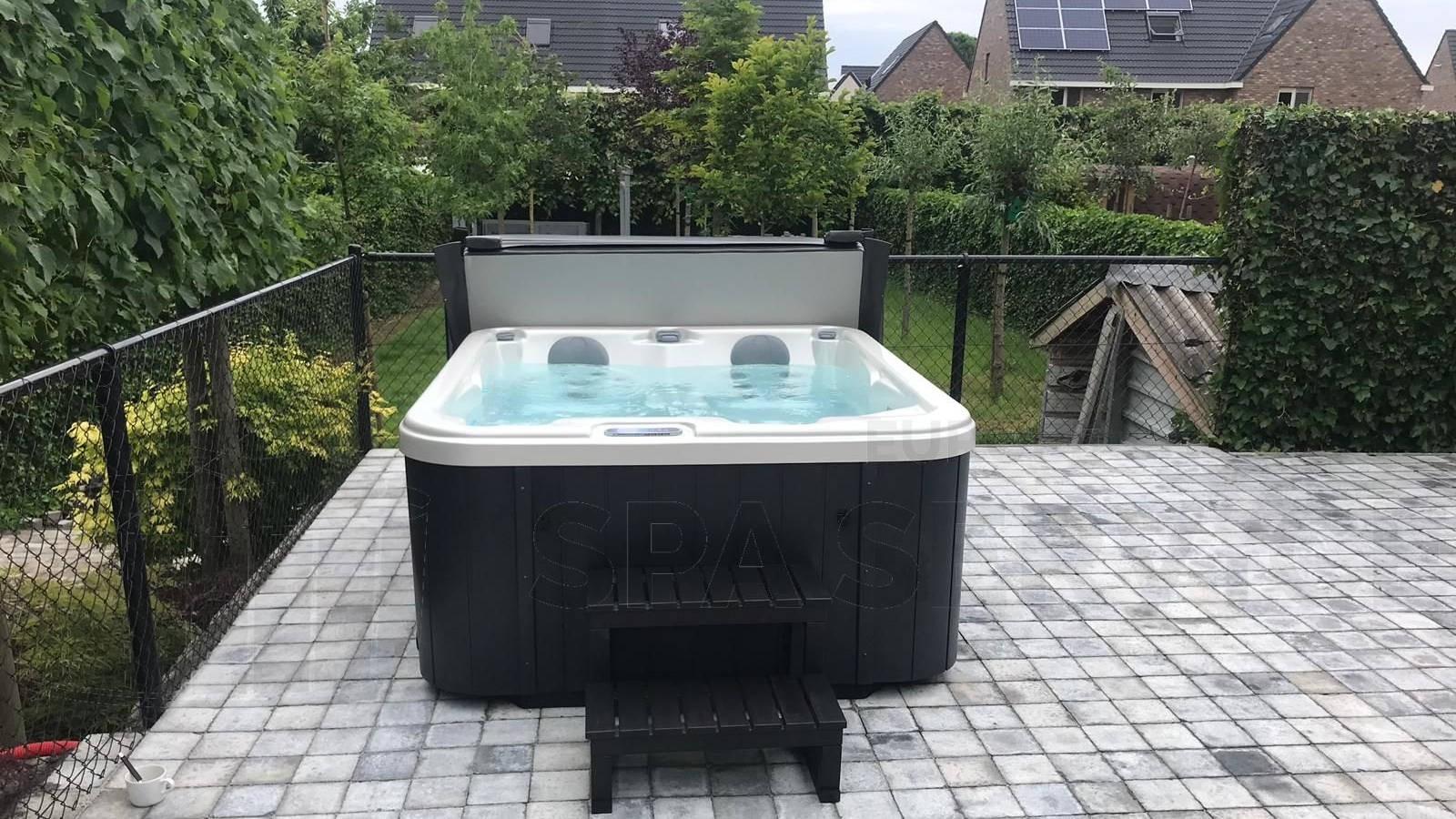 Plaatsing van een Allseas DA-1700S spa in Sint Truiden België