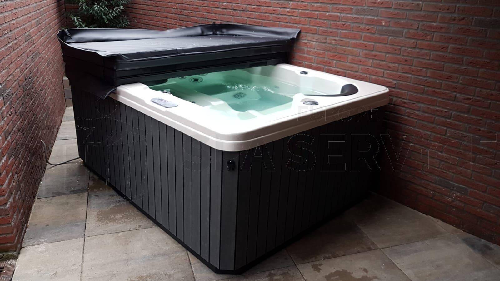 Kraanplaatsing van een spa in Papendrecht