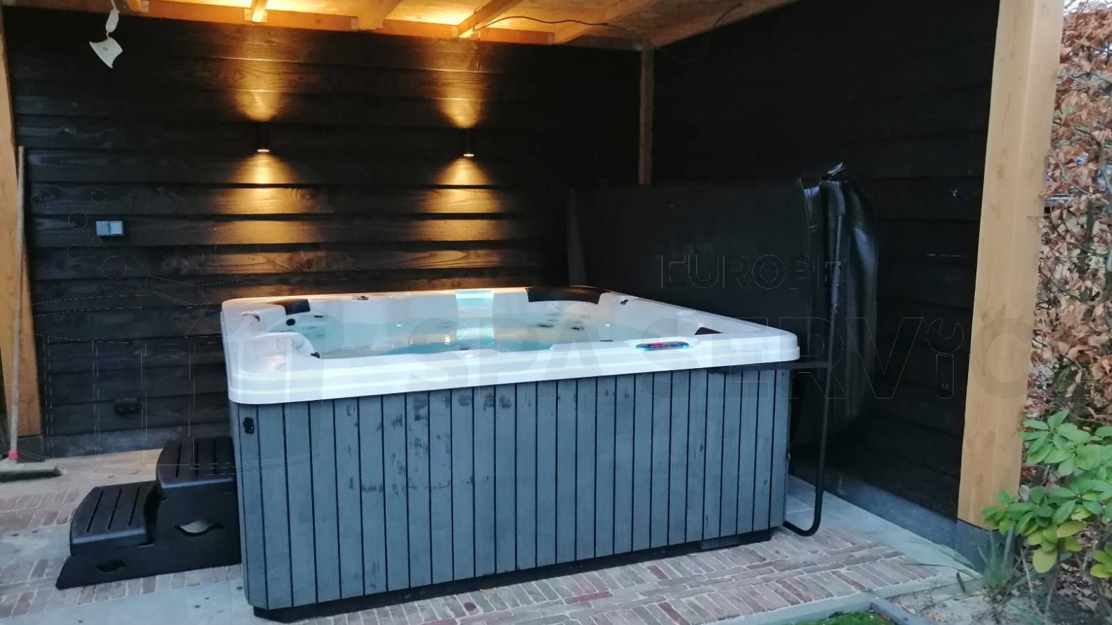 Plaatsing van een spa in Enschede