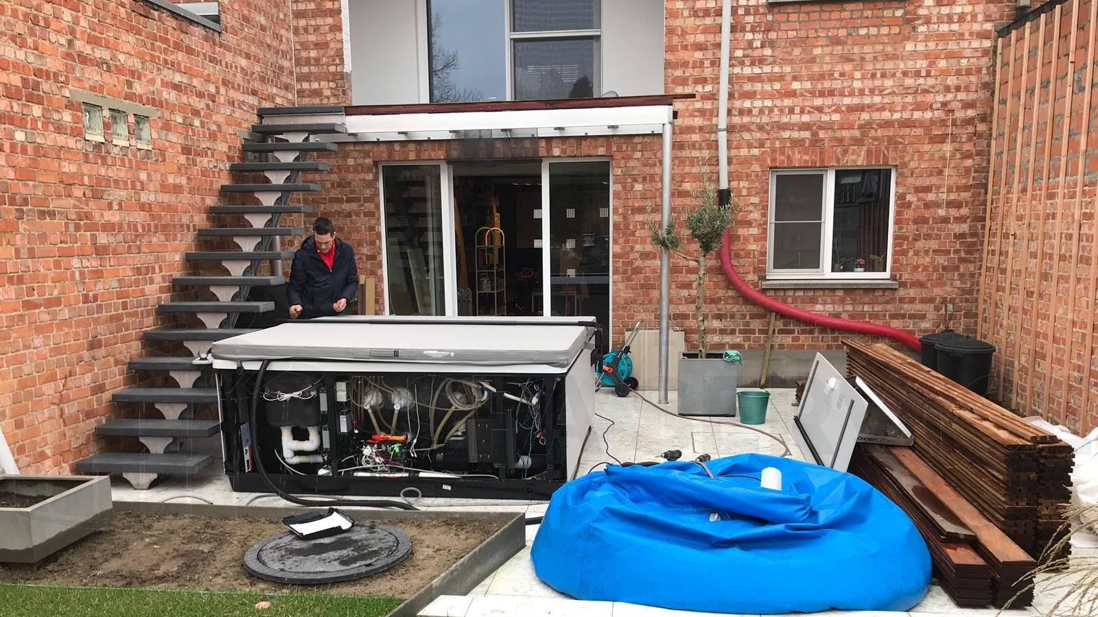 Plaatsing van een Villeroy & Boch Just Silence spa in Dendermonde België