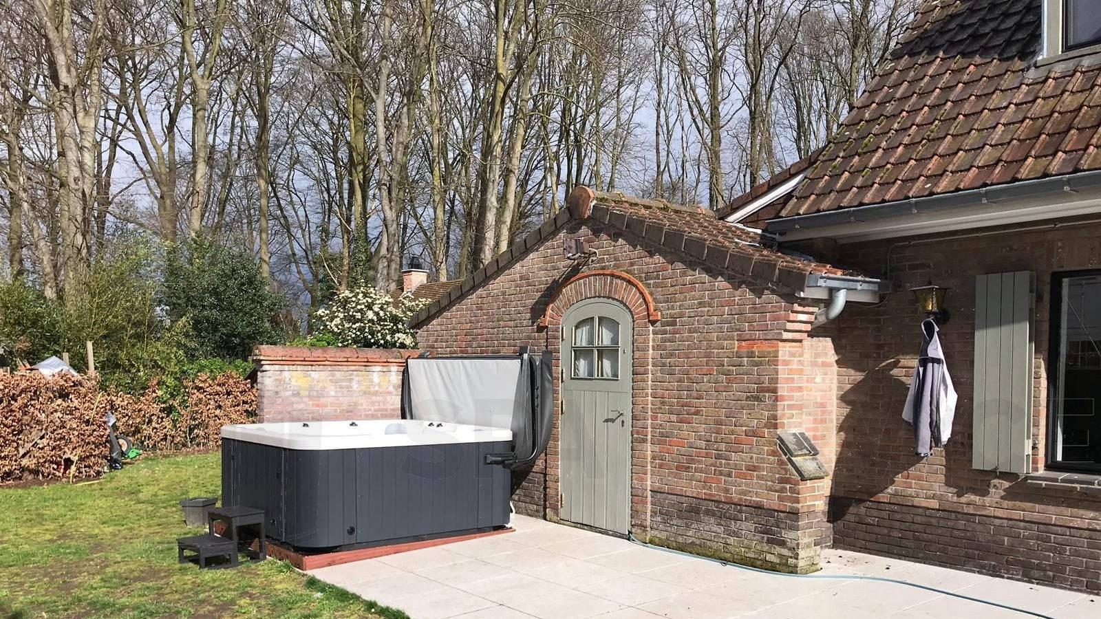 Plaatsing van een Platinum Chill spa in De Pinte België
