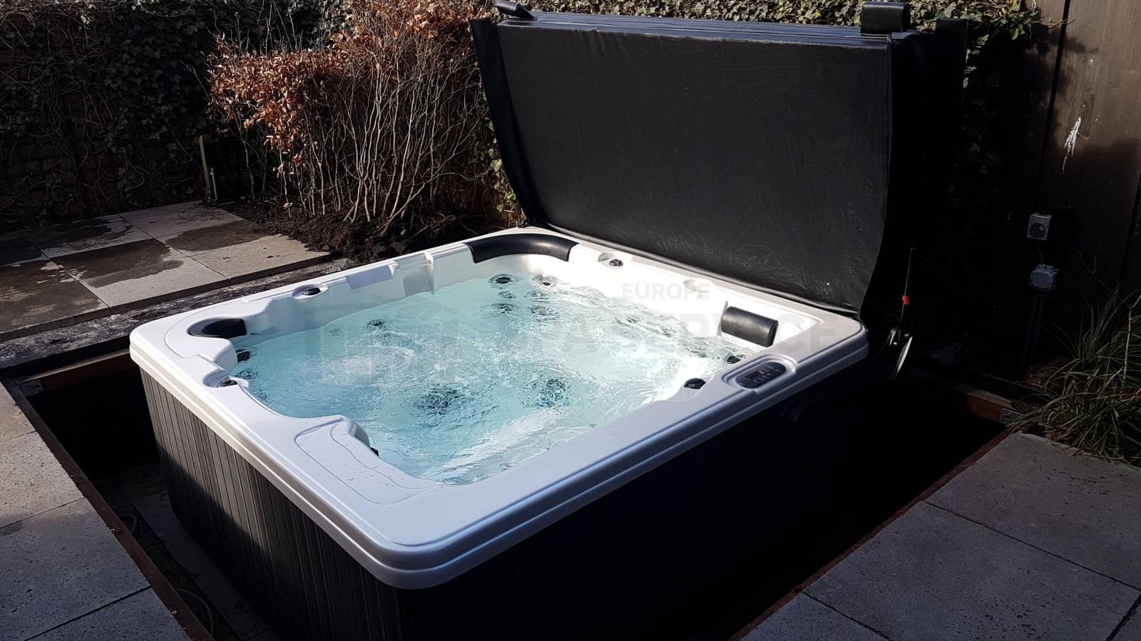 Plaatsing van een spa in een put in Nijmegen