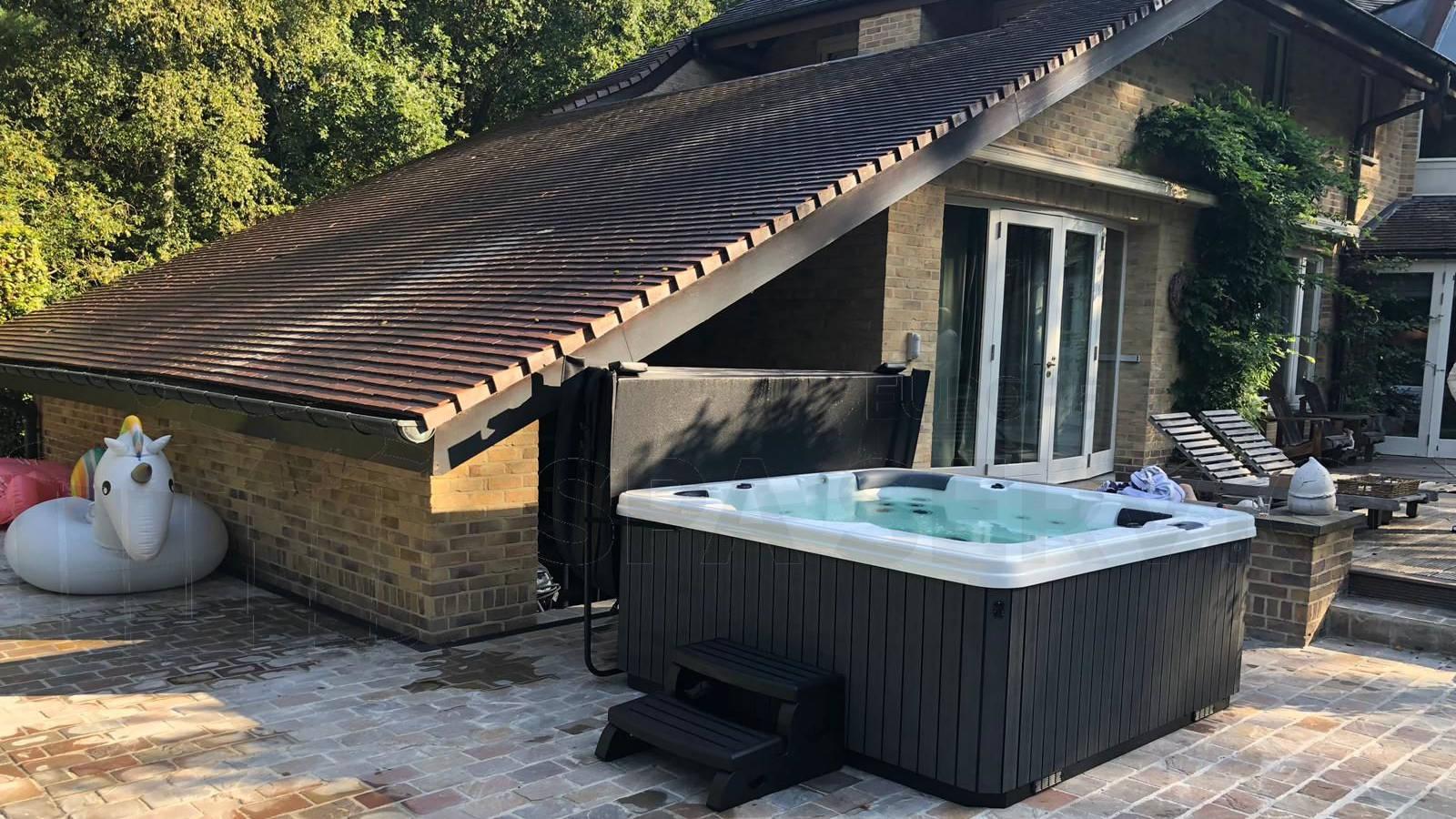 Plaatsing van een spa in Kapellen België