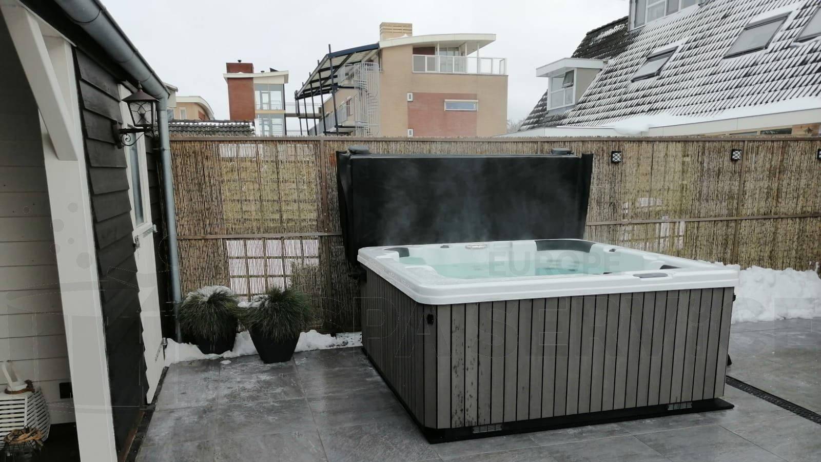 Plaatsing van een spa in Avenhorn