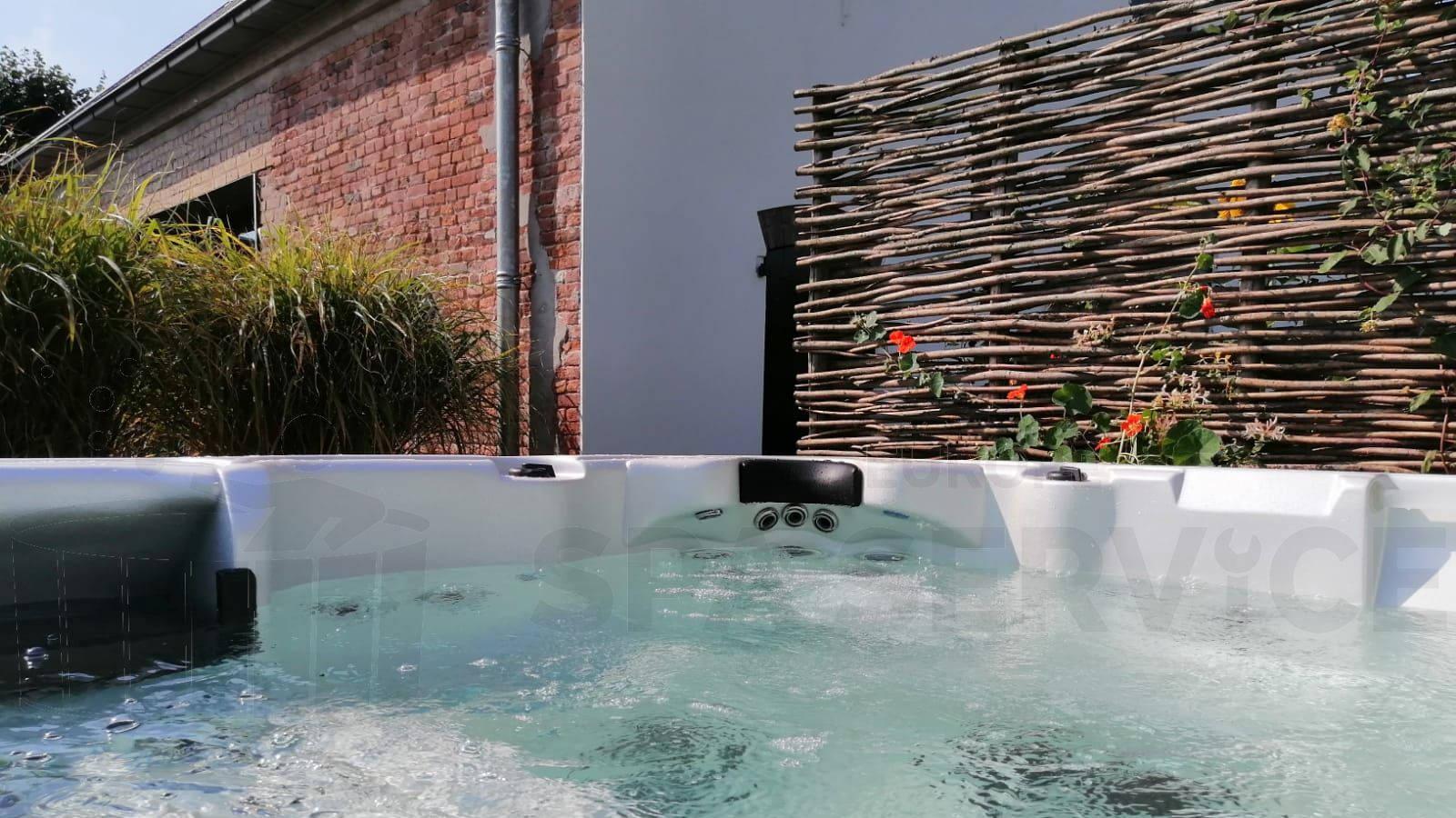 Plaatsing van een spa in Bemmel