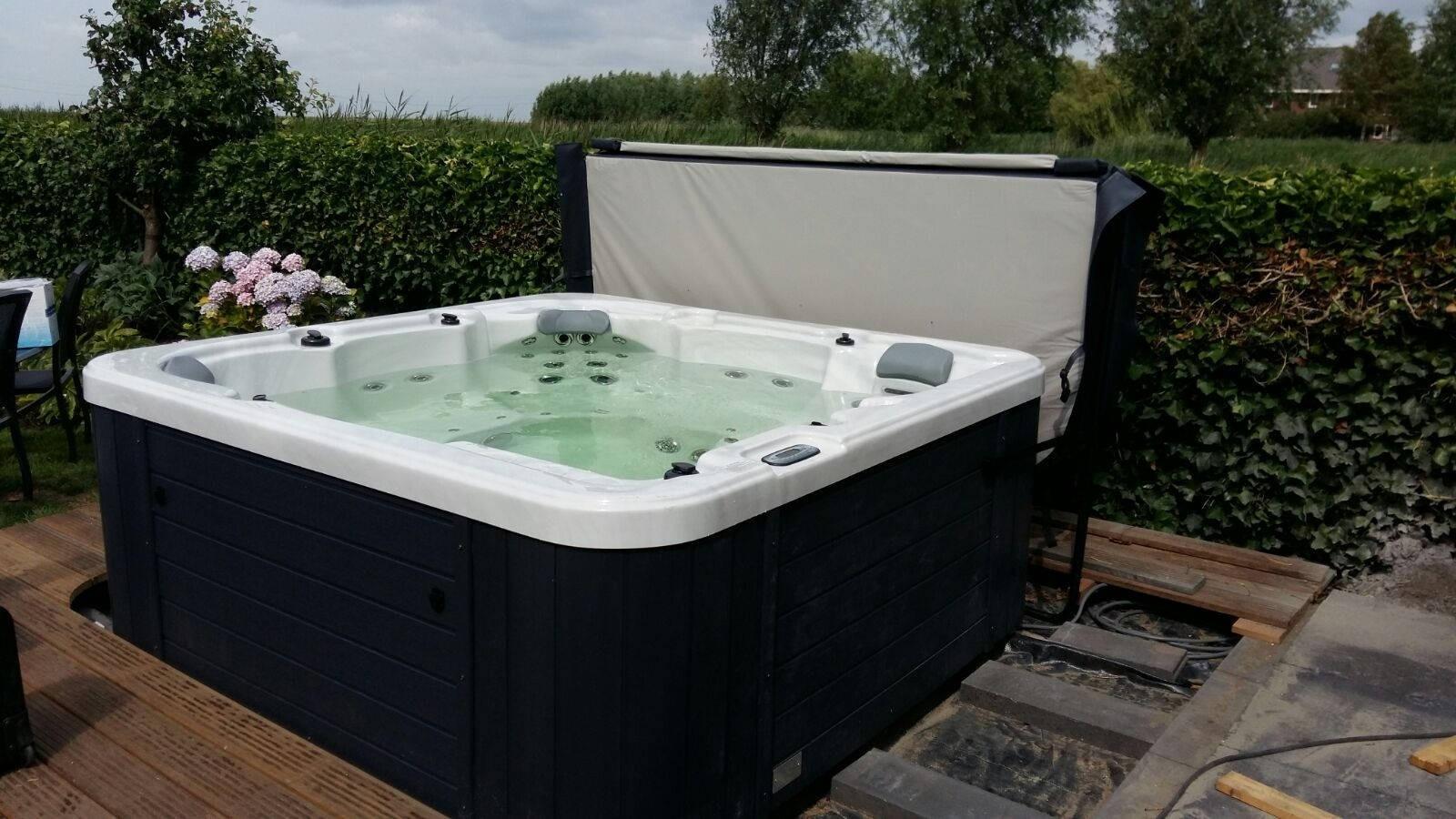 Plaatsing Allseas spa in Bergen op Zoom