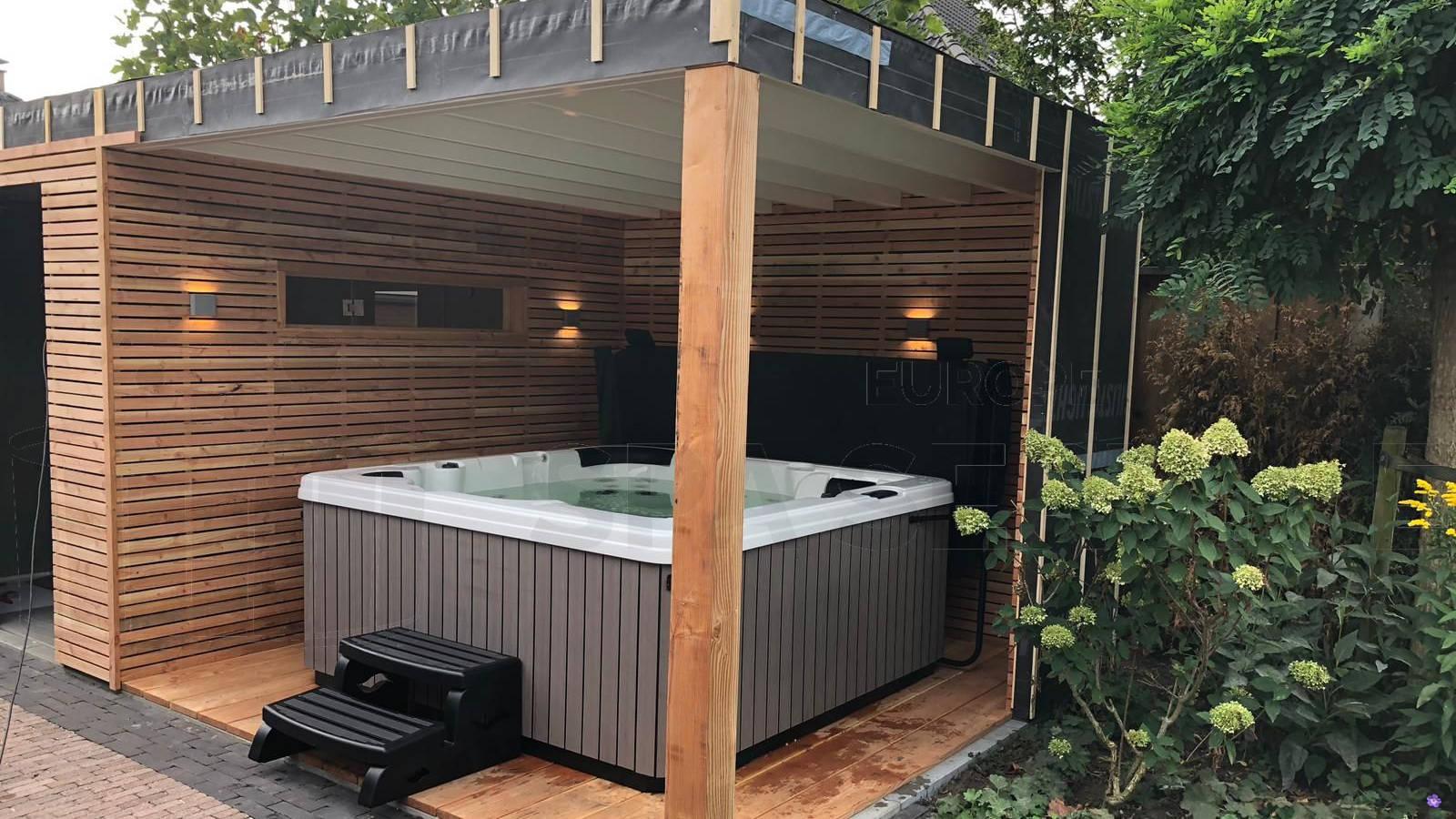 Plaatsing van een spa in Goor