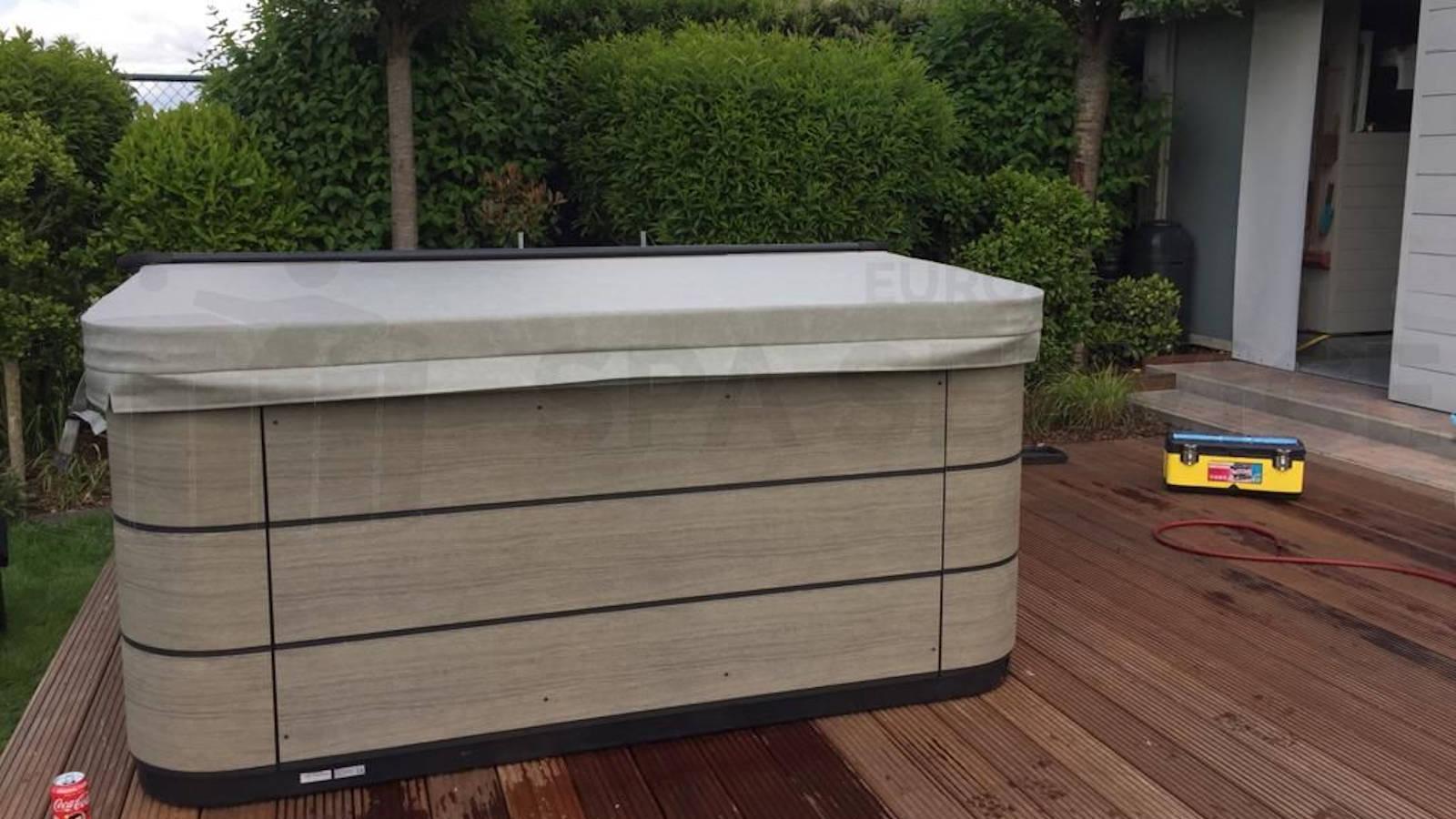 Plaatsing van een Aquavia spa in Meerdonk België