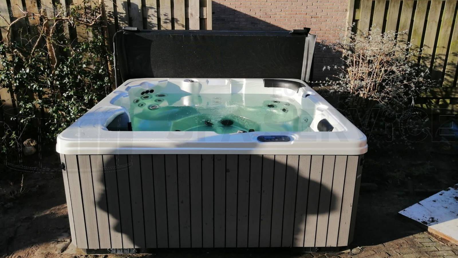 Plaatsing van een spa in Almelo