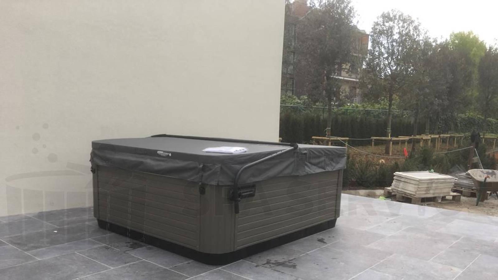 Plaatsing van een Villeroy & Boch X6L spa in Ronse België