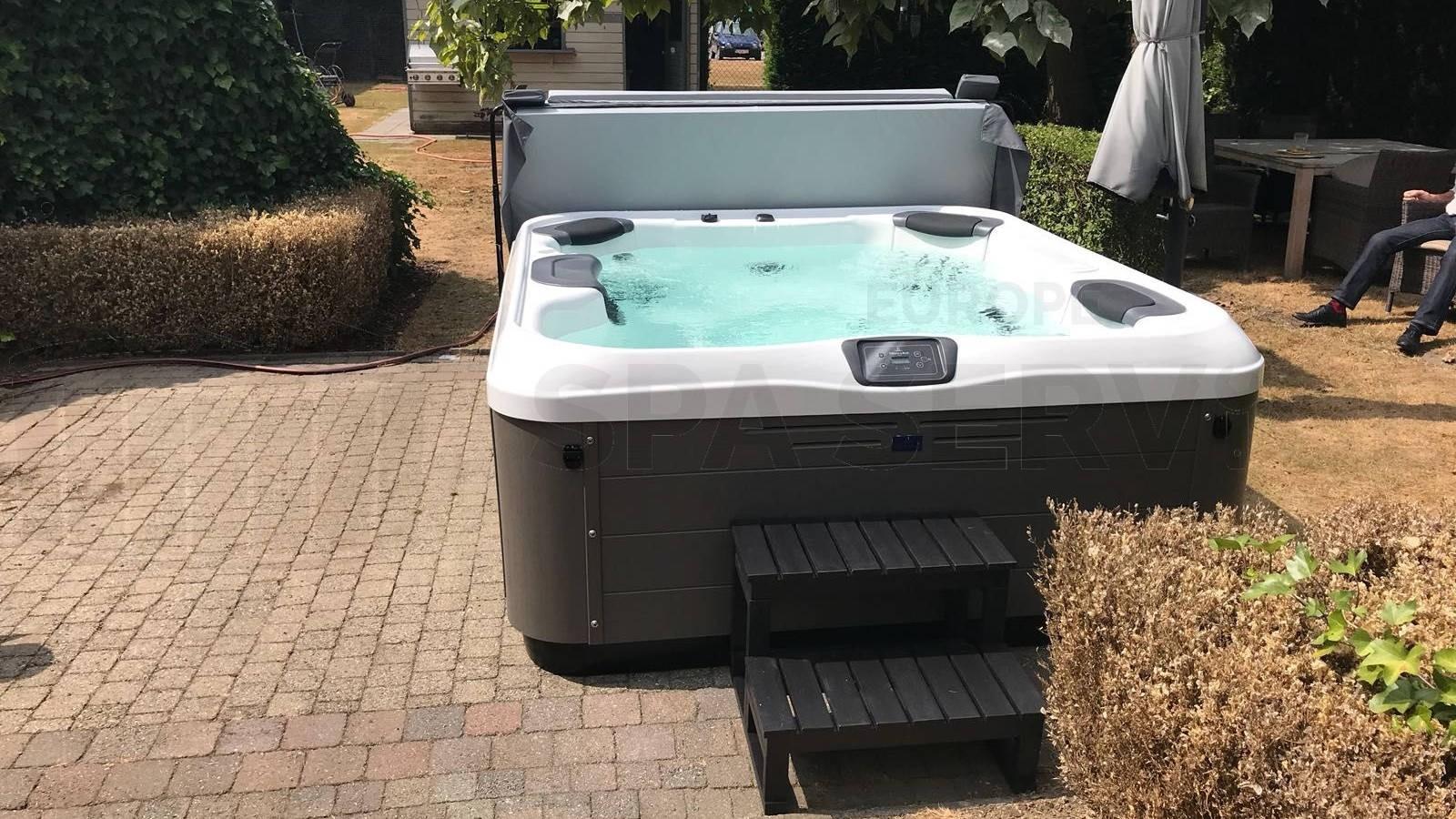 Plaatsing Villeroy & Boch R6LE spa in Bornem België