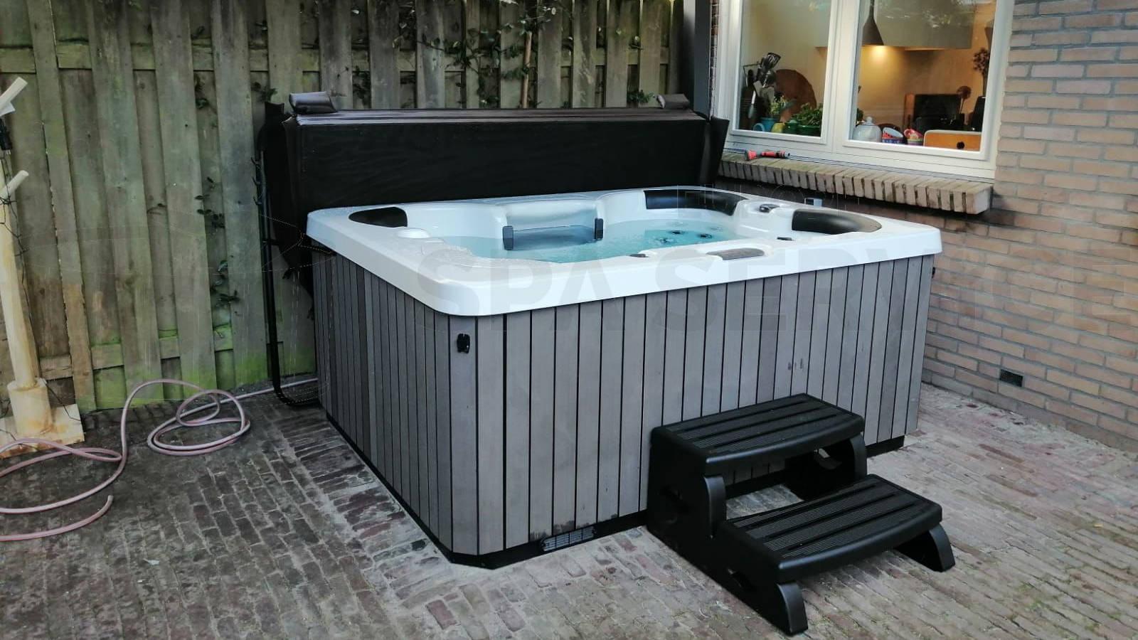 Plaatsing van een spa in Heemstede