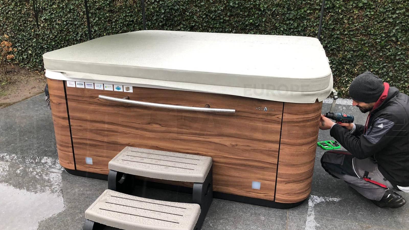Plaatsing van een Aquavia spa in Sint-Gillis-Waas België