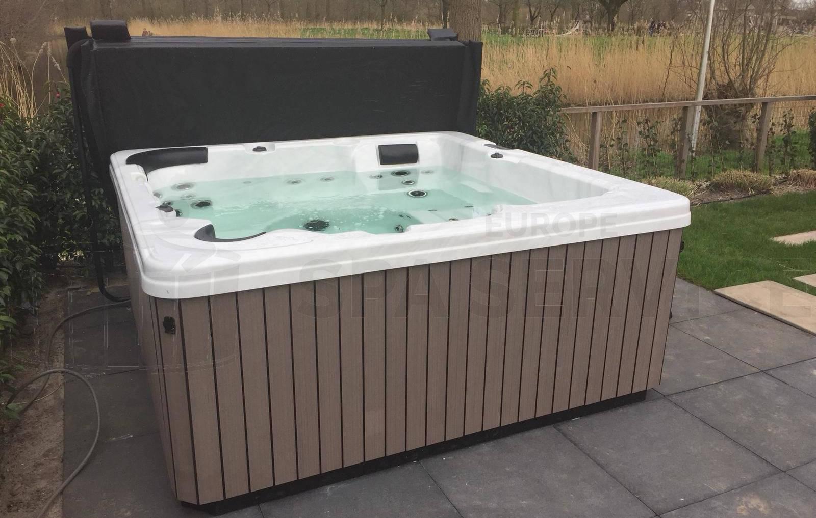 Plaatsing van een spa in Vianen