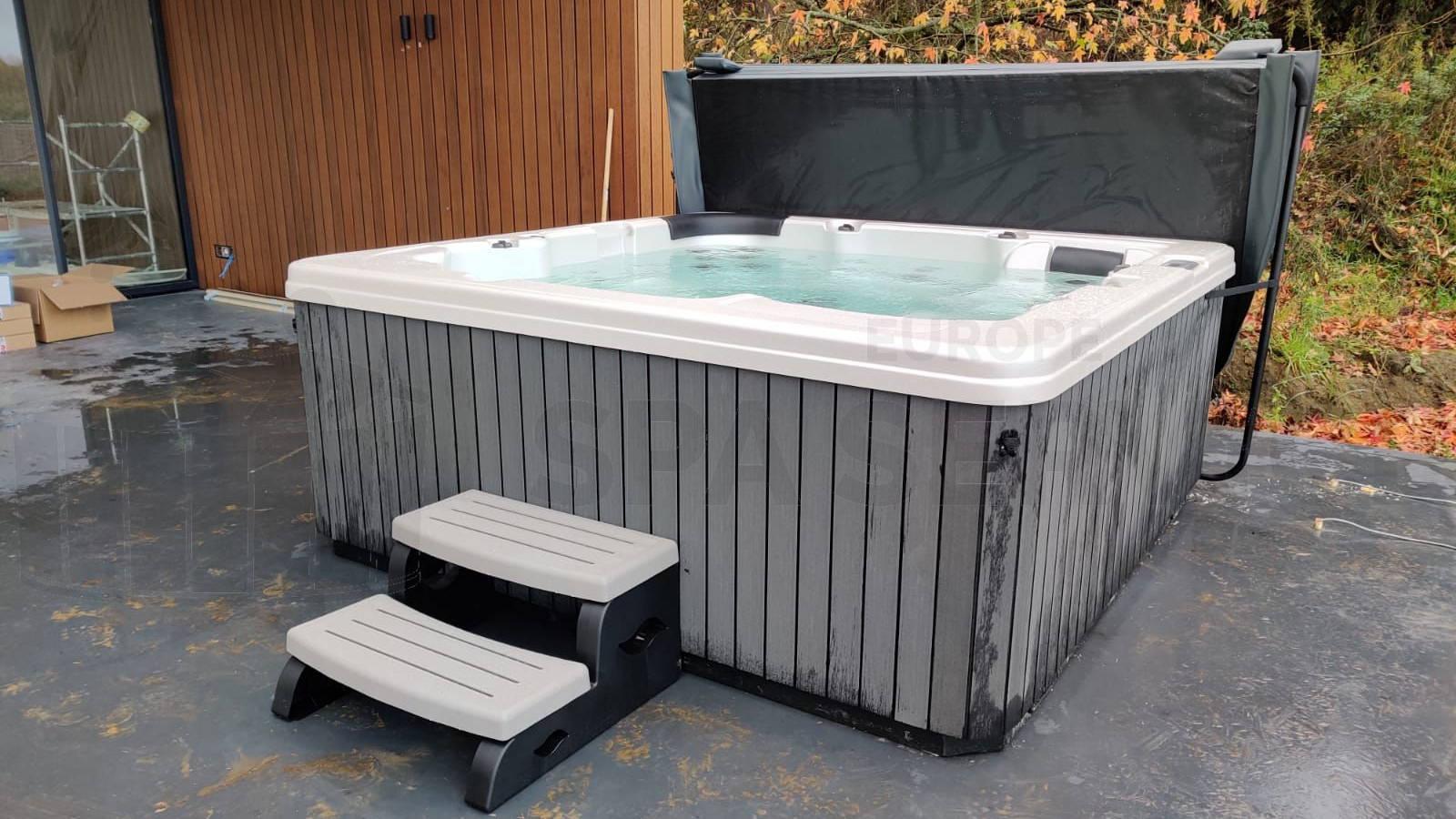 Plaatsing van een spa in Knegsel