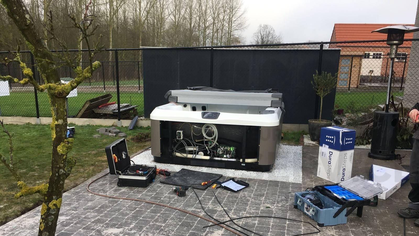 Plaatsing Villeroy & Boch R6LE spa in Vlierzele België
