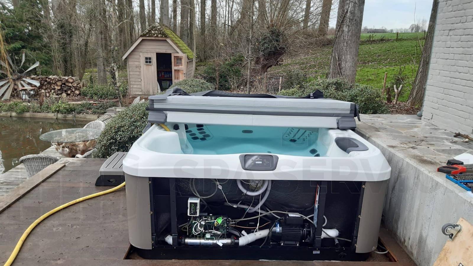 Plaatsing van een Villeroy & Boch R6L spa in Horbeke België