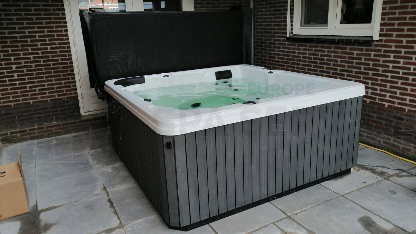 Plaatsing van een spa in Gennep