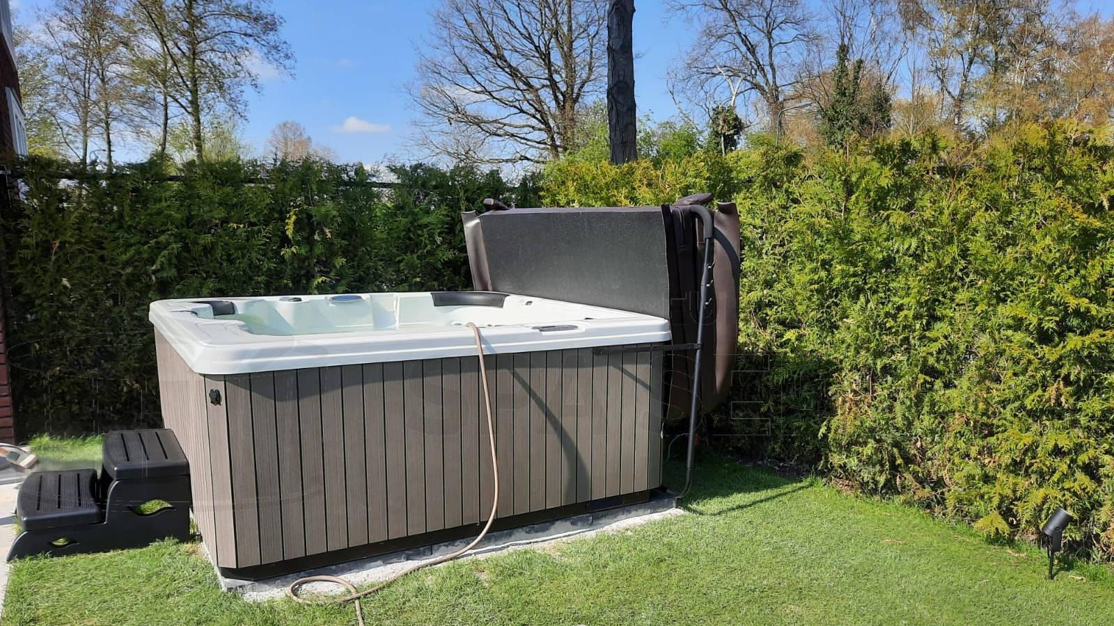 Plaatsing van een spa in Prinsenbeek