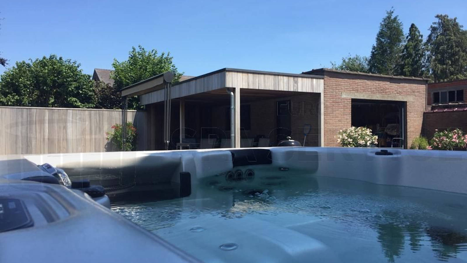 Plaatsing van een spa in Sint-Katelijne-Waver België