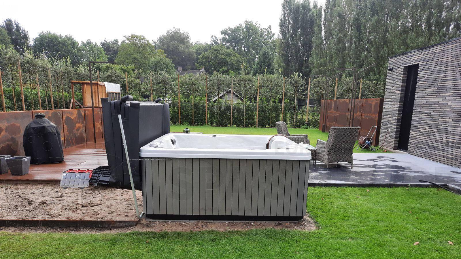 Plaatsing van een spa in Helmond