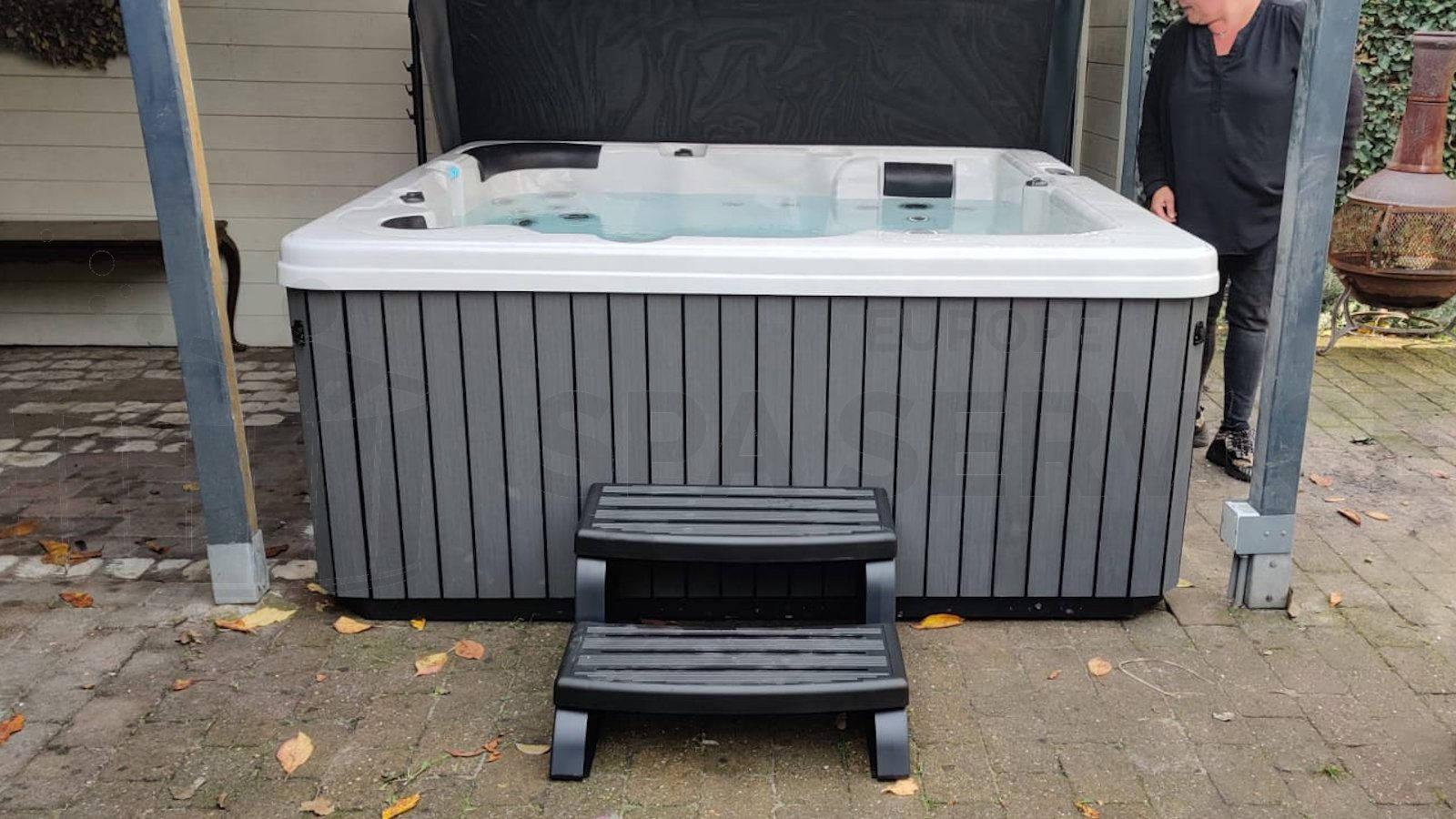 Plaatsing van een spa in Lichtaart België