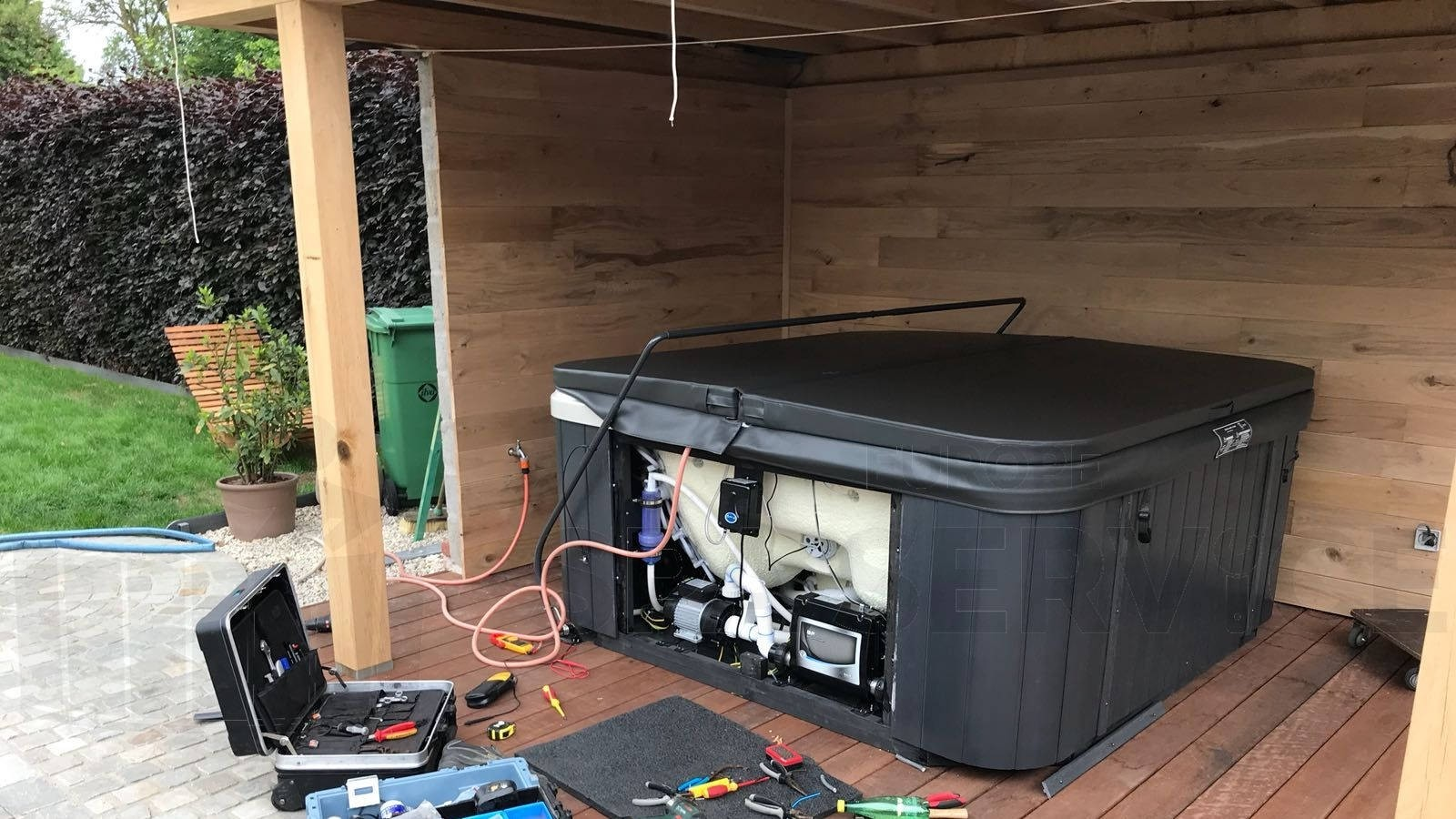 Plaatsing Allseas Oasis SL-5601 spa in Ninhoven België