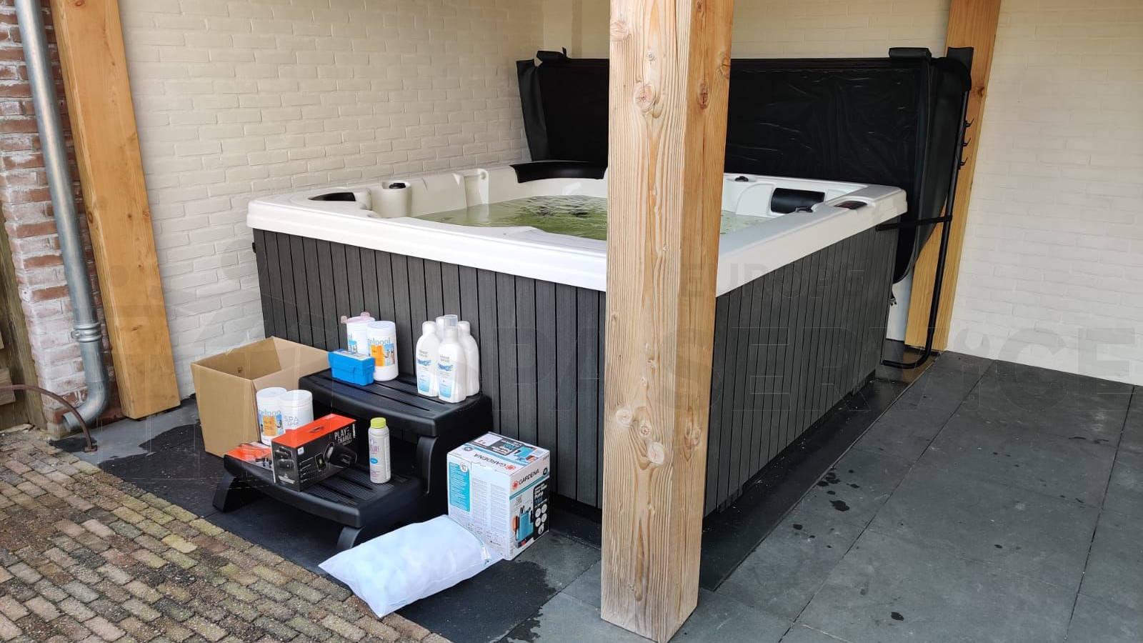 Plaatsing van een spa in Lemelerveld