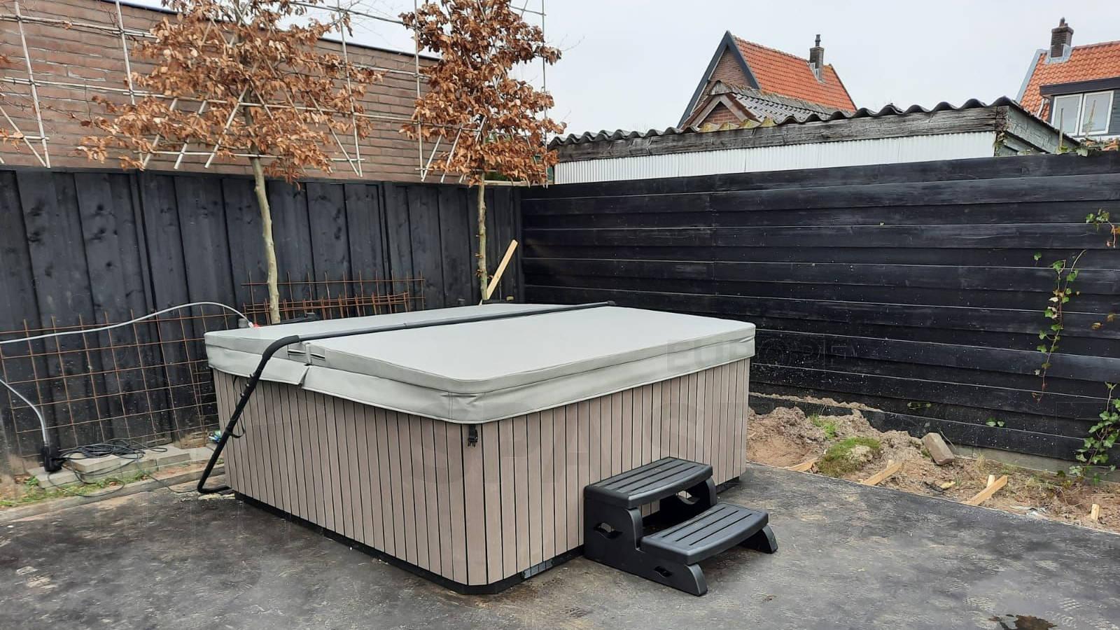 Plaatsing van een spa in Woudenberg