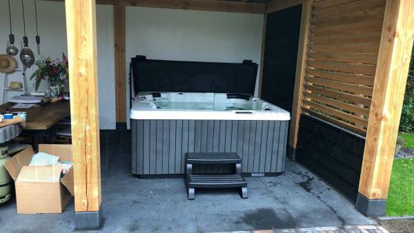 Plaatsing van een spa in Vriezenveen