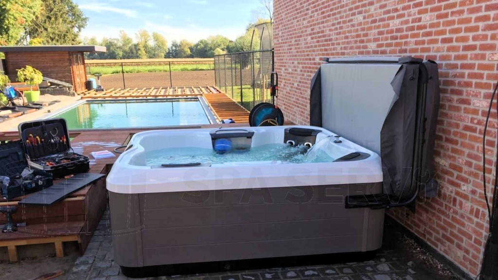 Plaatsing van een Villeroy & Boch R6LE spa in Stekene België