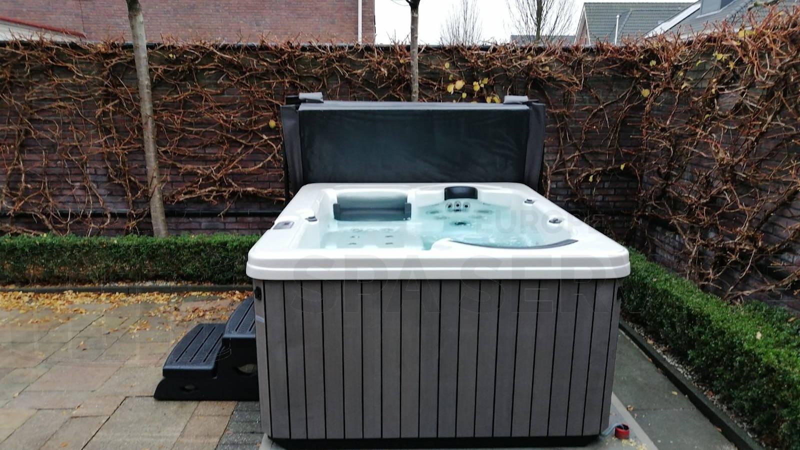 Plaatsing van een spa in Naaldwijk