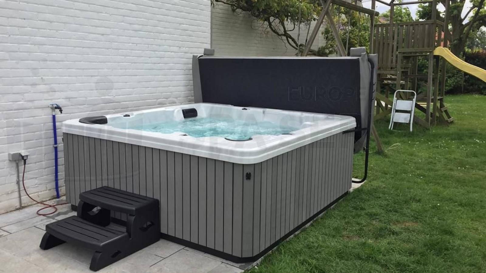 Plaatsing van een spa in Plancenoit België