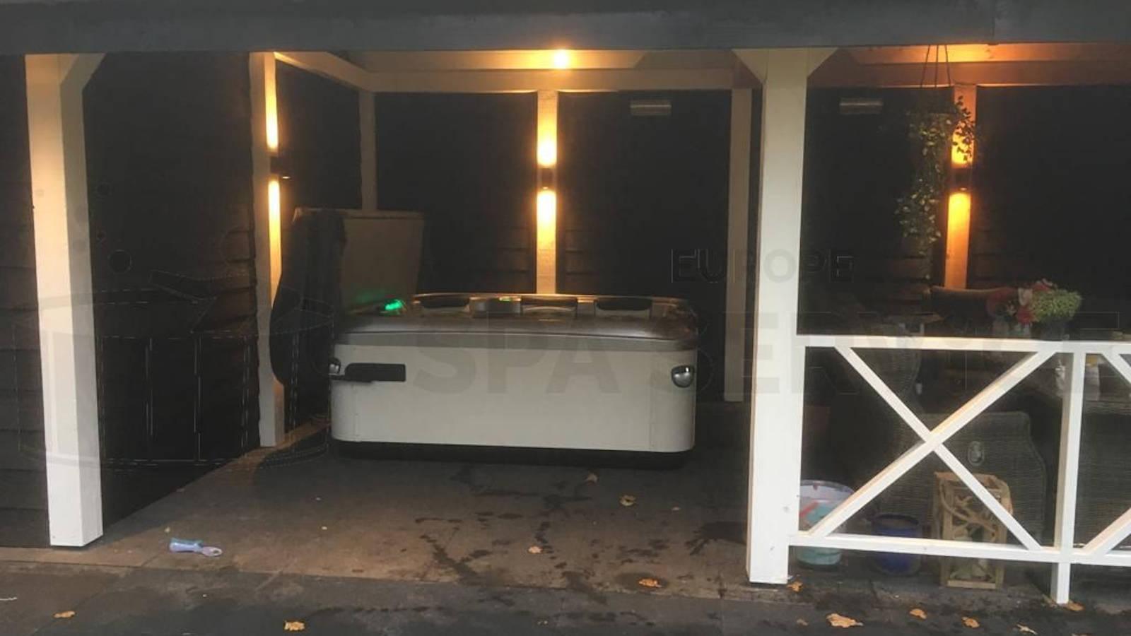 Plaatsing van een Villeroy & Boch A6L spa in Nunspeet
