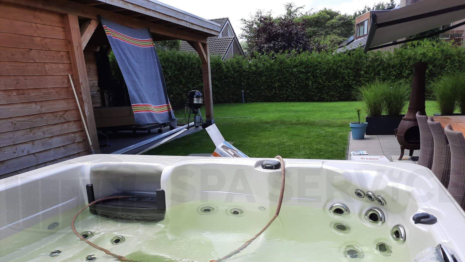 Plaatsing van een spa in Mierlo