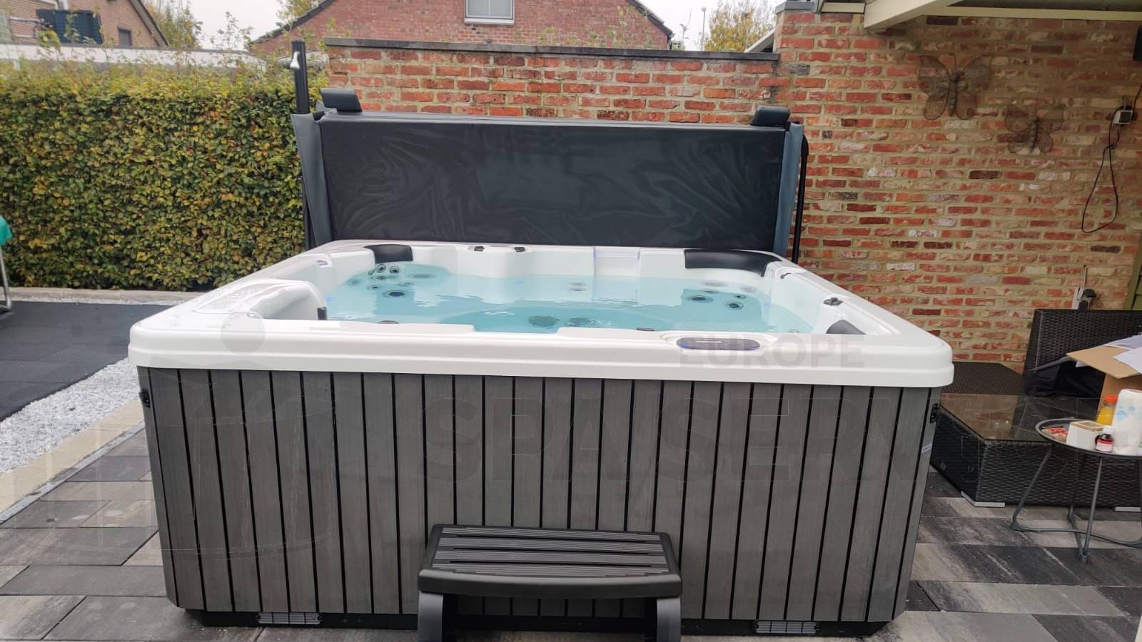 Plaatsing van een spa in Maasmechelen België
