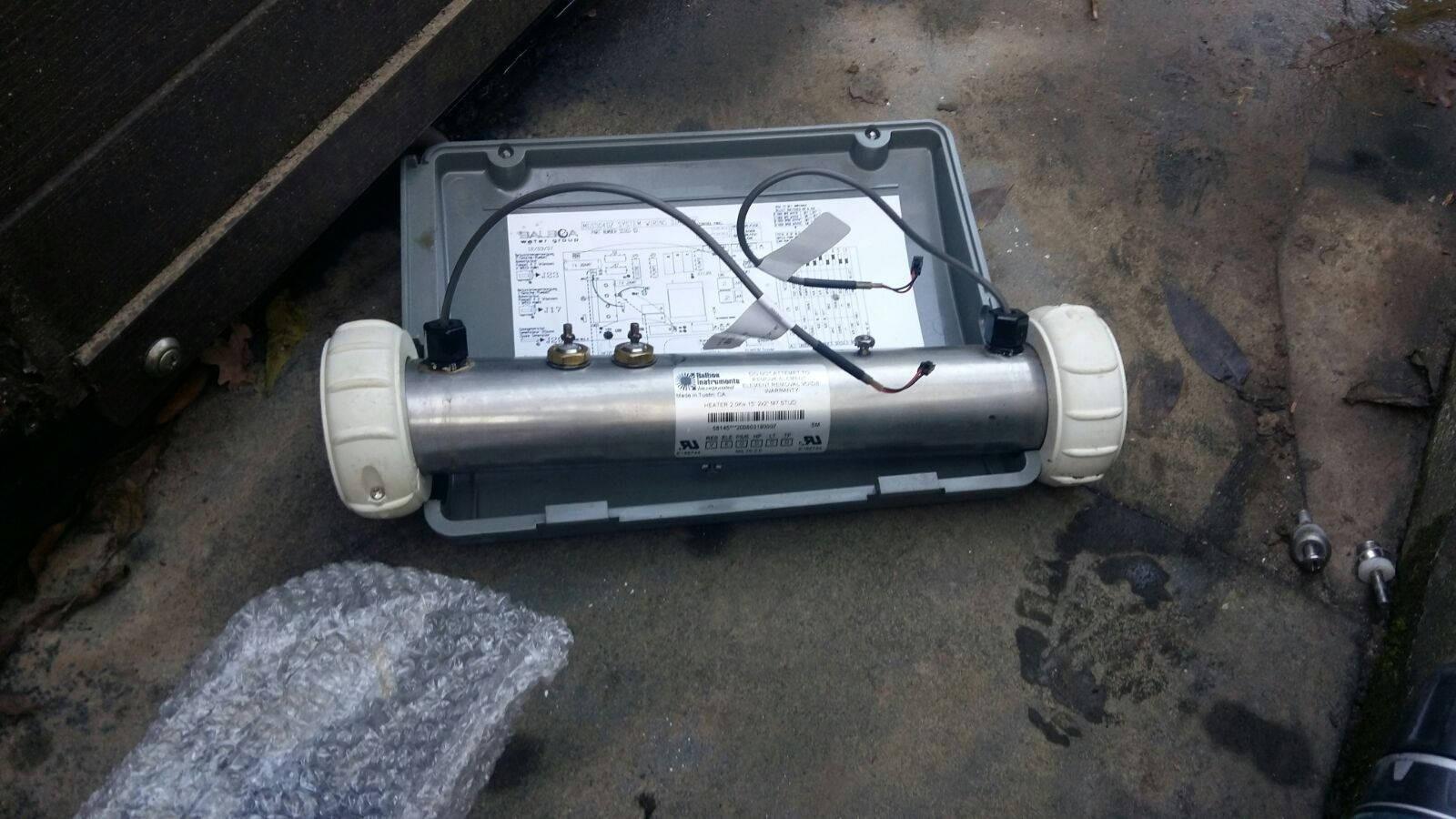 Verwarmingselement en O-ringen vervangen van een Artesian spa Cypres point in Huissen