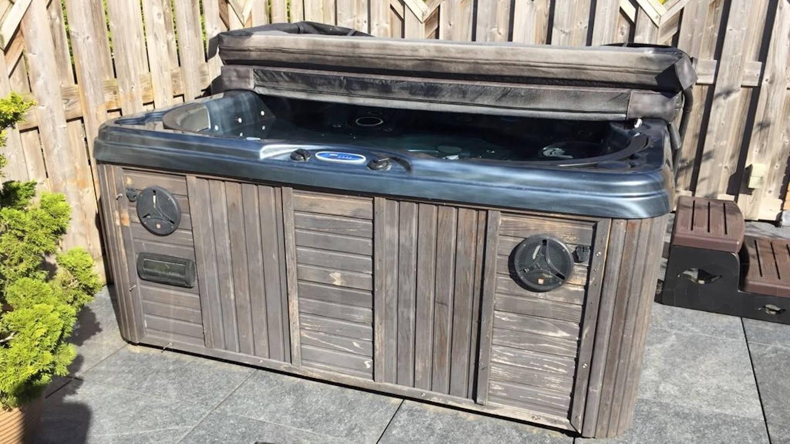 Ozonator vervangen van een Platinum spa in Kockengen