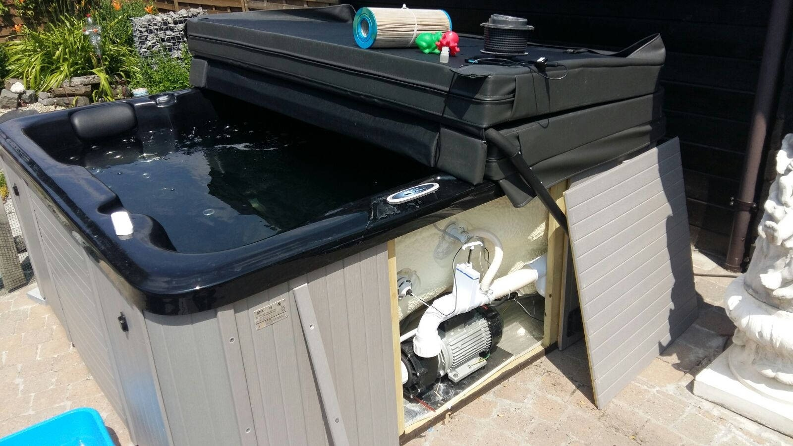 Reparatie en uitleg waterbehandeling Sunspa