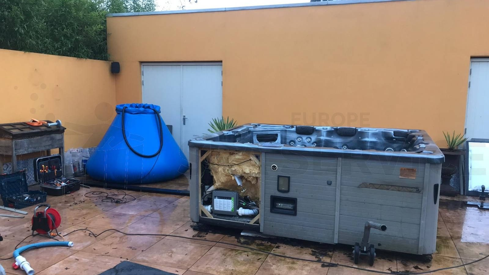 Reparatie lekkage aan een Sunspa Roma in Posterholt