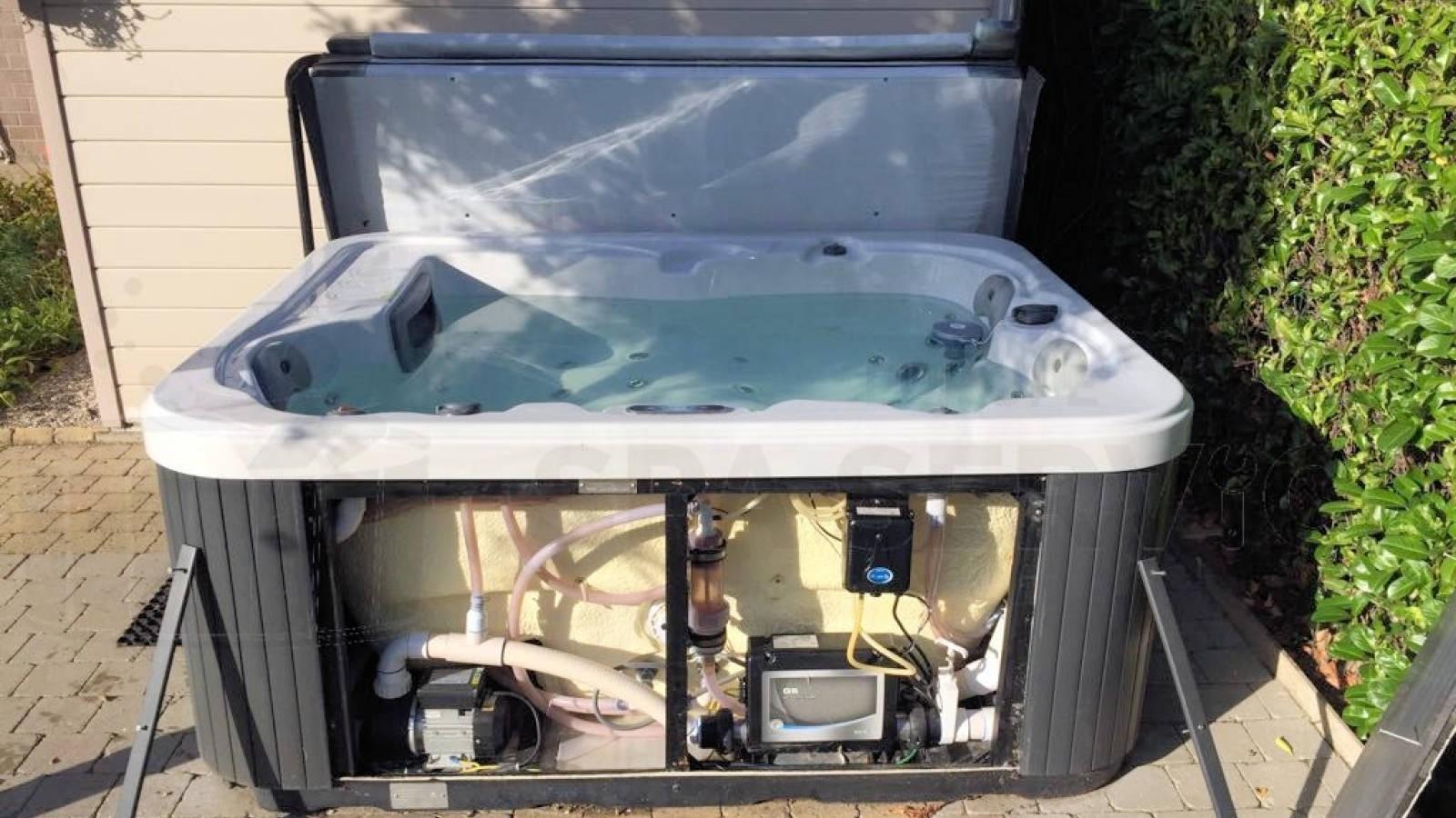 Reparatie defect display van een Allseas Oasis S 1600S spa in Vrasene België