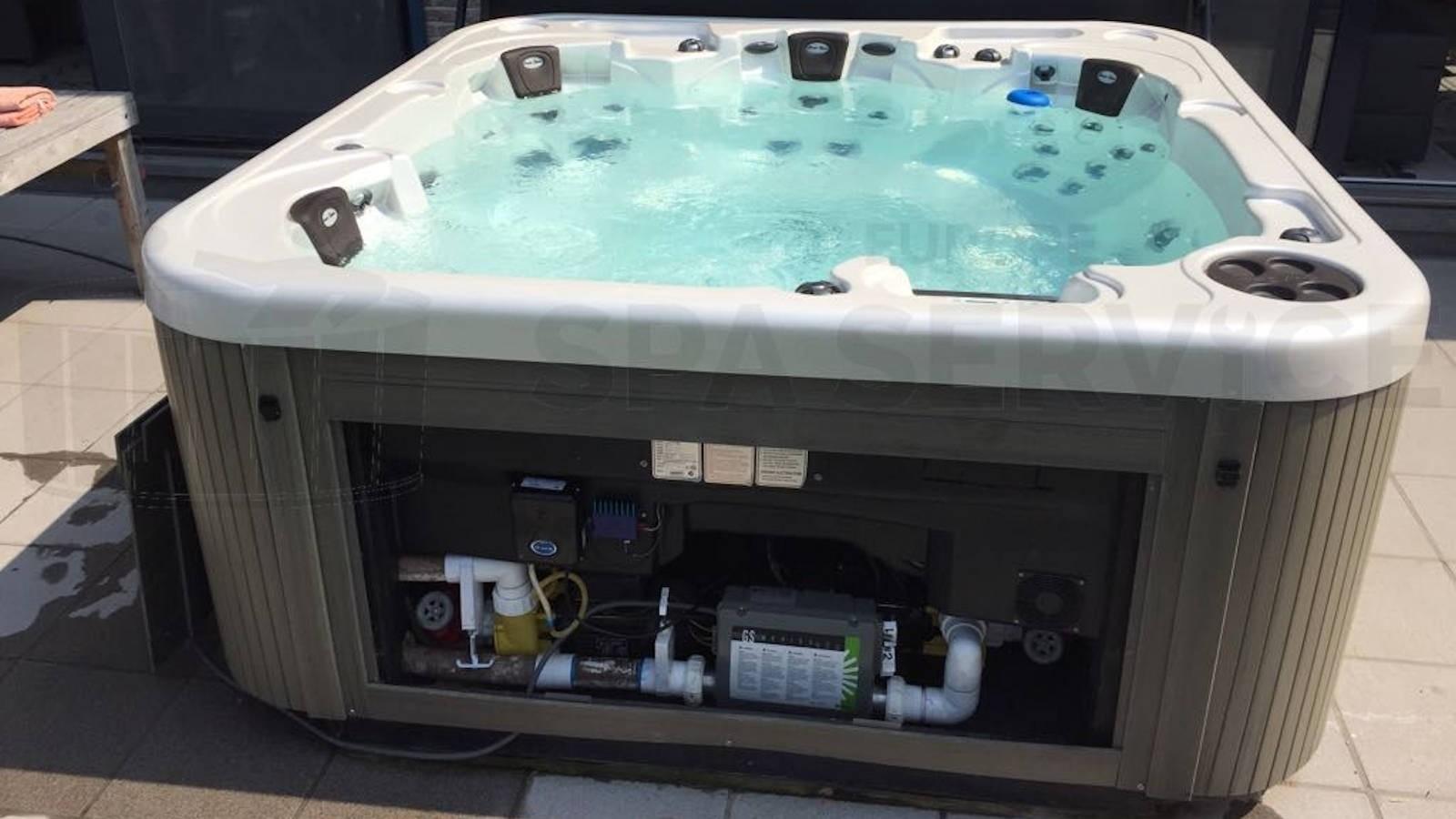 Jet pomp en ozonator vervangen van een NorthWind Hot Tub in Peizegem België