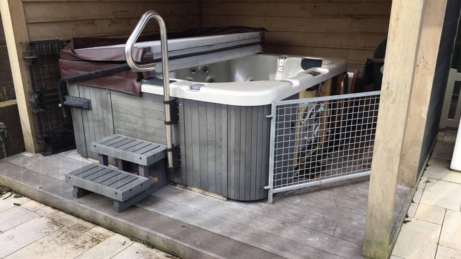 Reparatie lekkage van een spa in Purmerland
