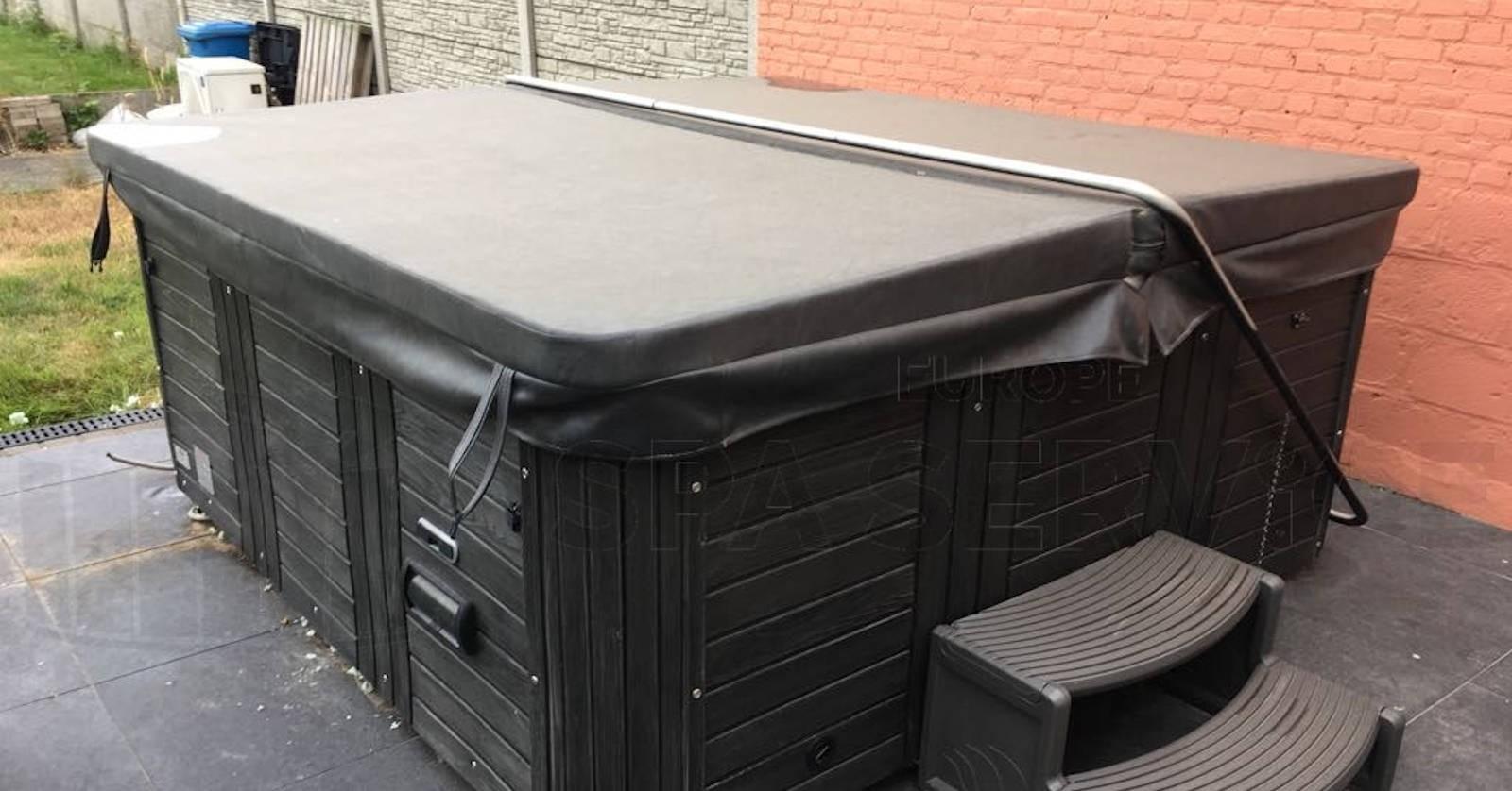 Reparatie lekkage aan een Four Winds spa in Rillaar België