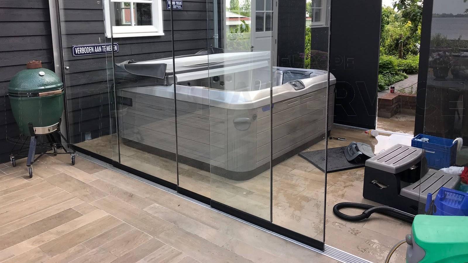 Schoonmaakbeurt en waterbehandeling afgesteld van een Villeroy & Boch A7LE spa in Kudelstaart